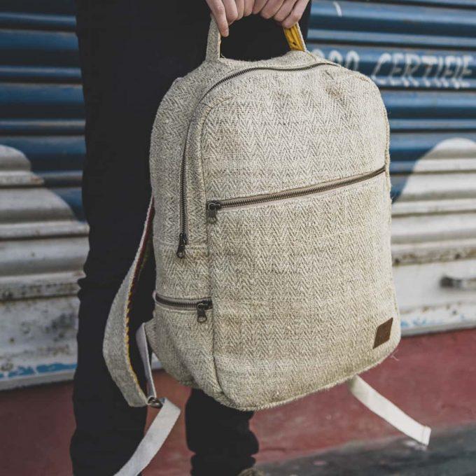 sac à dos équitable en chanvre et matière upcyclée