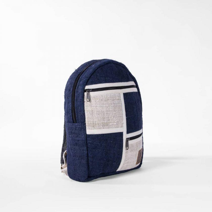 Petit sac à dos écologique en chanvre et teintures naturelles nantah indigo cote