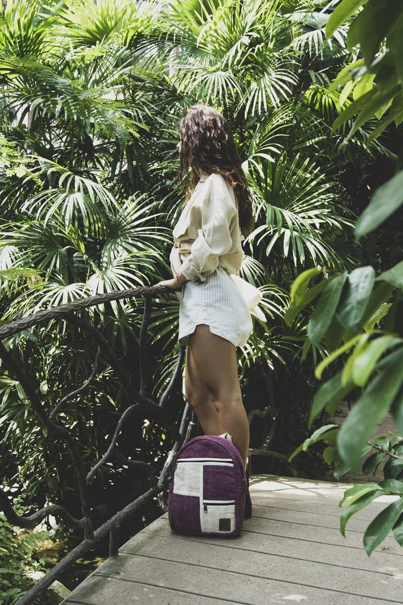 Petit sac à dos écologique en chanvre et teintures naturelles nantah framboise femme 3