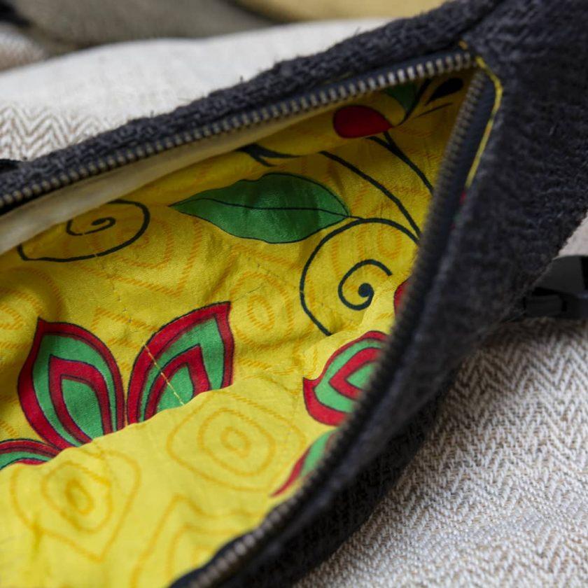 Sac banane éthique en chanvre de couleur ébène