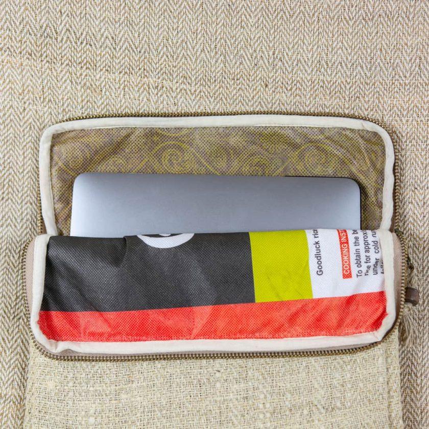 Pochette ordinateur écologique en chanvre fait main 13 pouces couleur écrue poche extérieure