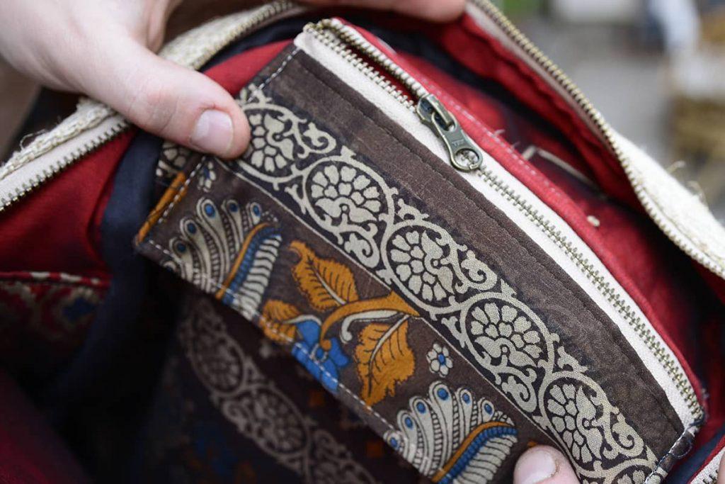 Poche intérieure sac à dos avec doublure upcyclée