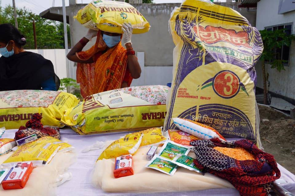 Distribution de kits alimentaires au népal