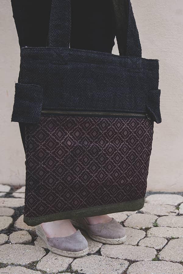 Sac bandoulière éthique et réversible en chanvre du népal couleur ébène femme