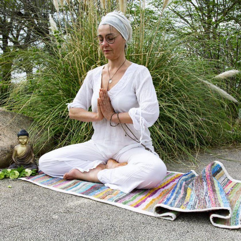 Tapis de yoga upcyclé éthique prière